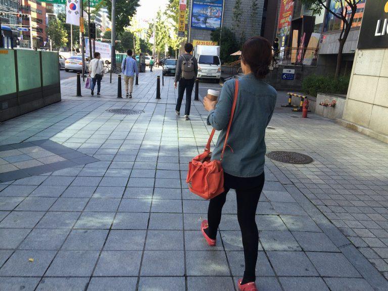 在韓国當地對韓國人進行實地的調查